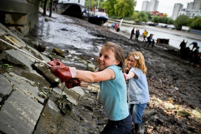 Volunteer For The Cleaner Thames Challenge 2013