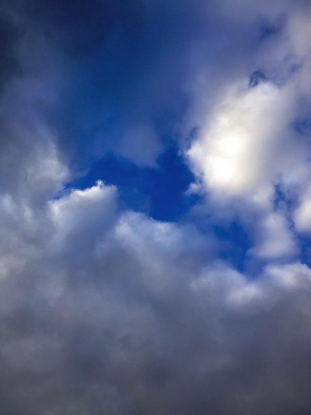 Heart Cloud - Balham Love - by Quinn Rae
