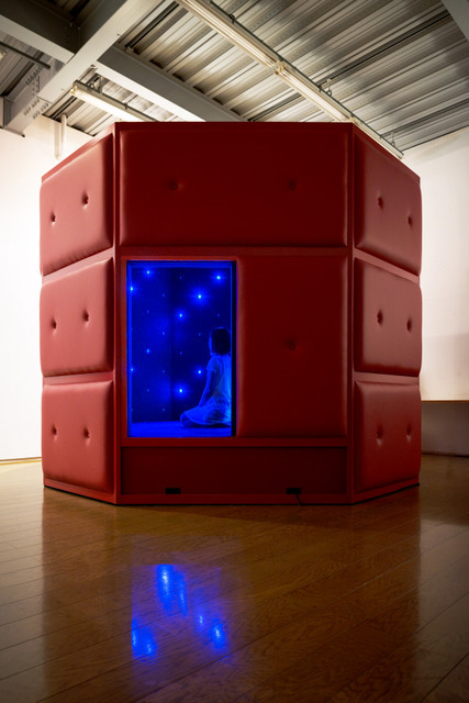 Tatsuo Miyajima, Life Palace (Tea Room), 2013, Photo by Nobutada Omote. Courtesy the artist and Lisson Gallery