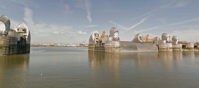 Google Street View Takes To The River Thames
