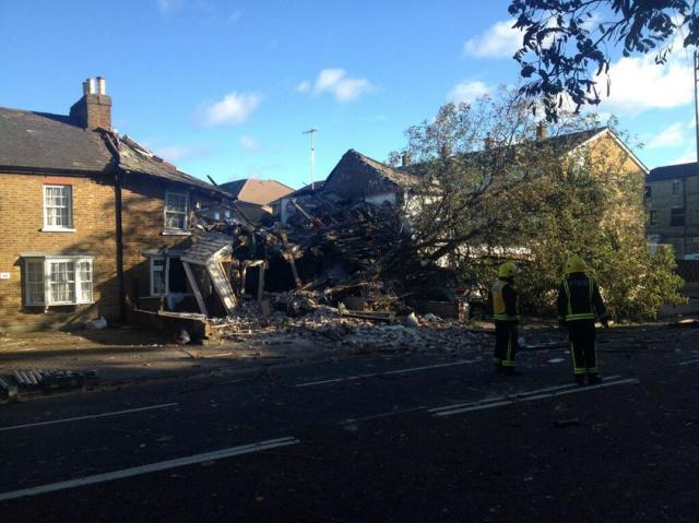 Collapsed houses in Hounslow / photo by London Fire Brigade