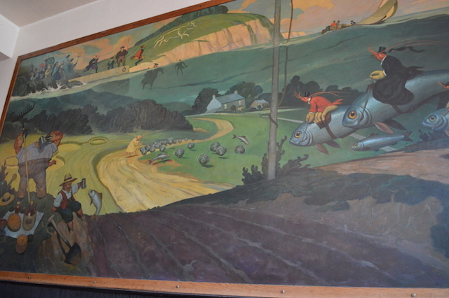 Oddball murals are a bit of a feature here.