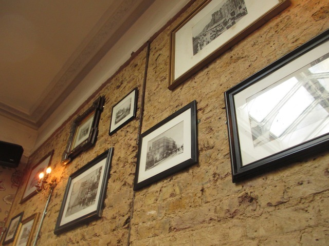 The walls hold a spellbinding collection of ye olde Kilburn photos. The pub crops up in a few.