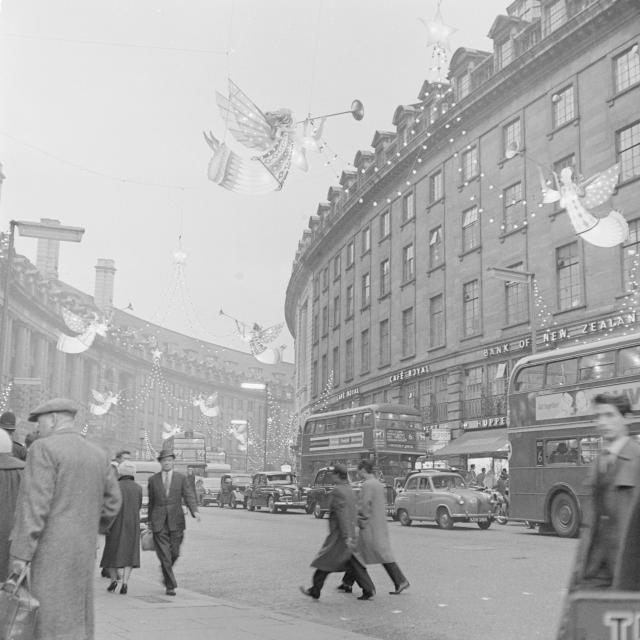 Regent Street, 1960 / © Henry Grant Collection / Museum of London