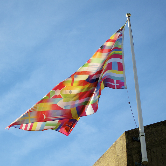 Flag on Southbank by Ania Mendrek via flickr
