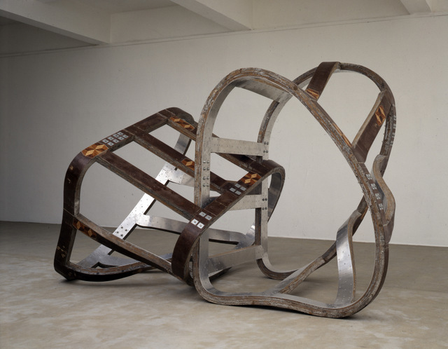 Richard Deacon, Lock 1990. Private collection Copyright Richard Deacon