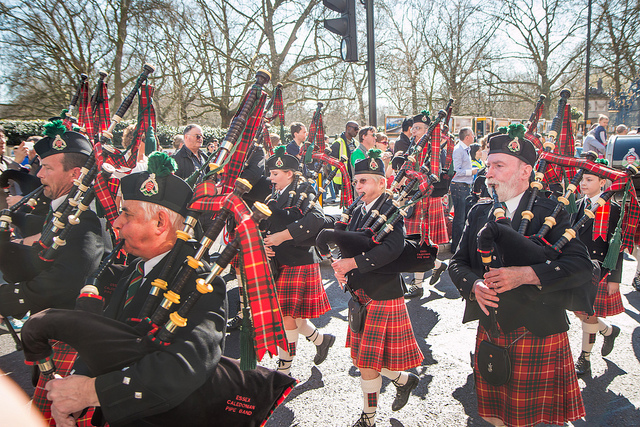 Marching band playing the bagpipe, by Zefrog on Flickr