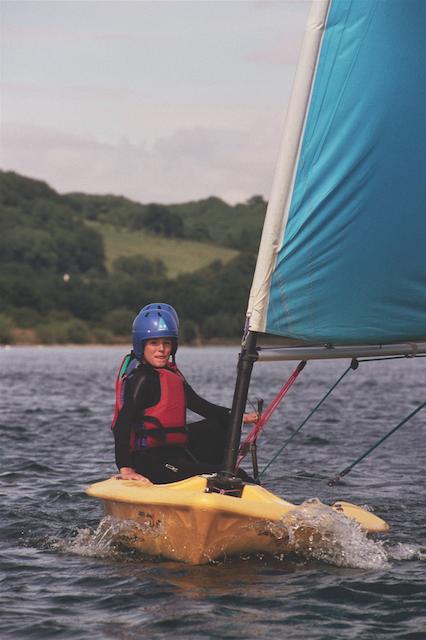 activ_060208_windsurf001.png