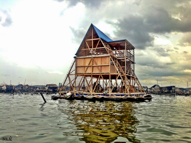 Makoko floating school - Designed by NLÉ, Makoko Community Building Team Photo by NLÉ