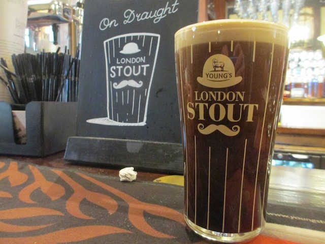 Pints of stout come in both 2D and 3D.