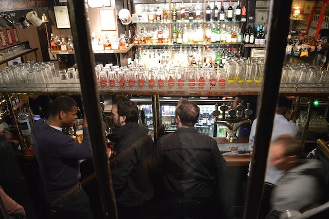 Looking down on the lower bar.