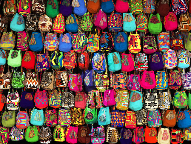 Liu Bolin, Hiding in Colombia - Mochilas. Image courtesy of the artist and Scream