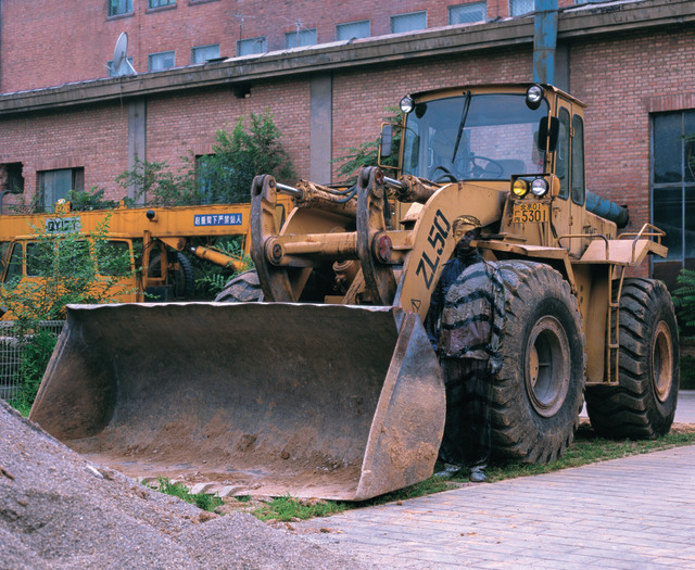 Liu Bolin, Hiding in the city - bulldozer. Image courtesy of the artist and Scream