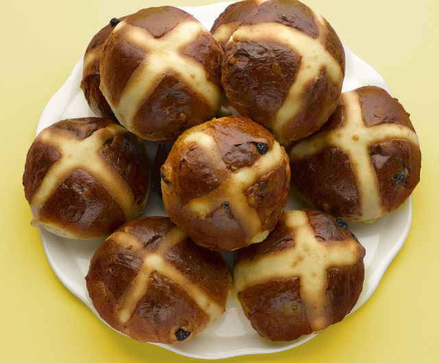 Peyton and Byrne hot cross buns
