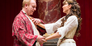 A Darkly Comic Antony And Cleopatra At The Globe
