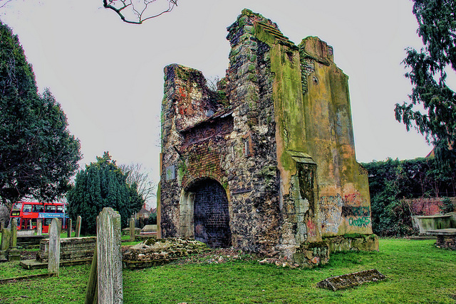 Graveyard of the old St Margaret church in Lee - South London, by FreezingFilms on Flickr
