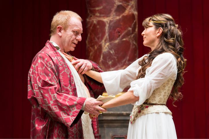 A Darkly Comic Antony And Cleopatra At The Globe