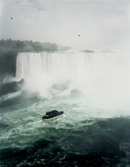Niagara, 1989 Copyright: Andreas Gursky / DACS 2014 Courtesy Sprüth Magers Berlin London