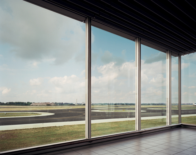 Andreas Gursky Schiphol, 1994 Copyright: Andreas Gursky / DACS, 2014 Courtesy Sprüth Magers Berlin London