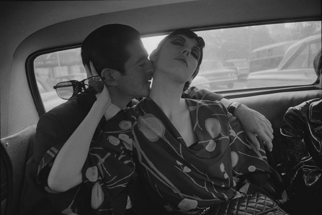 Dennis Hopper Irving Blum and Peggy Moffitt, 1964 The Hopper Art Trust © Dennis Hopper, courtesy The Hopper Art Trust