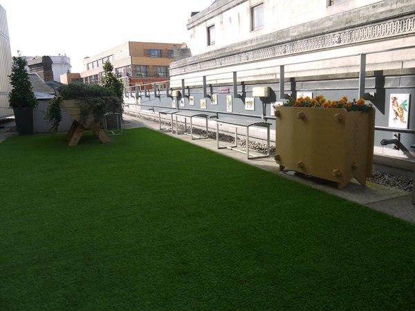 Take some time to relax in between glasses on City Lit's roof garden