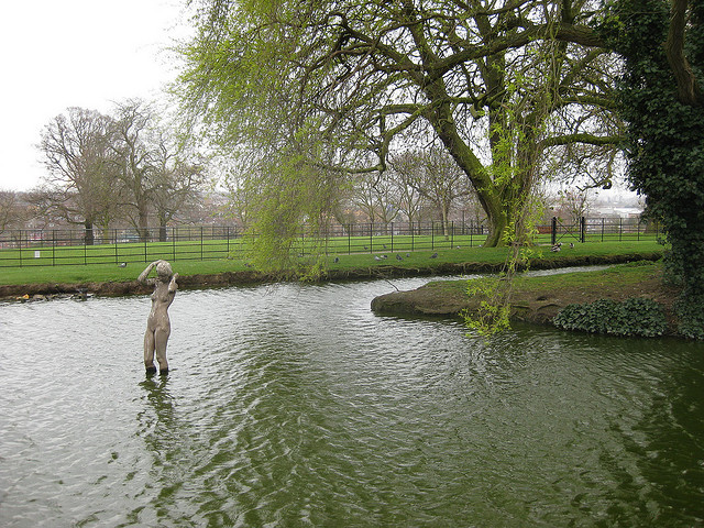 Gladstone Park pond, by Matt Brown