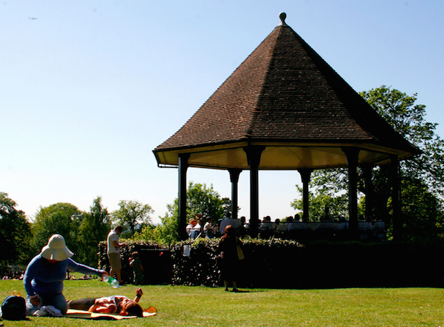 Golders Green Park on a summer's day by Sabine Thöle