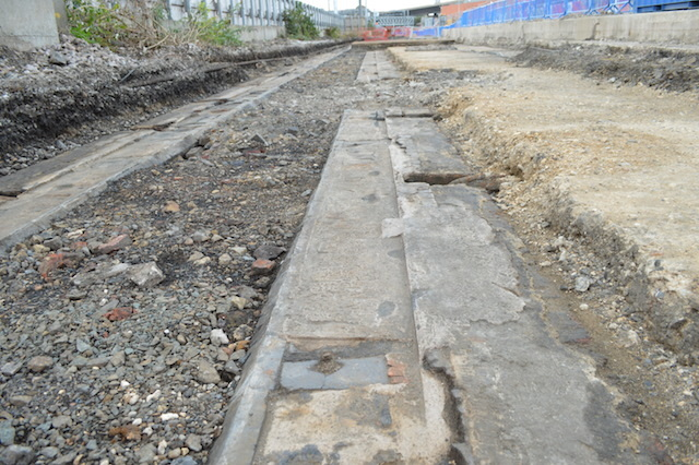 The two rows of stones show evidence of the two gauges (width between rails) used on the railway. Brunel's wide gauge used the outer stones, while the later narrow gauge made use of the inner paving.