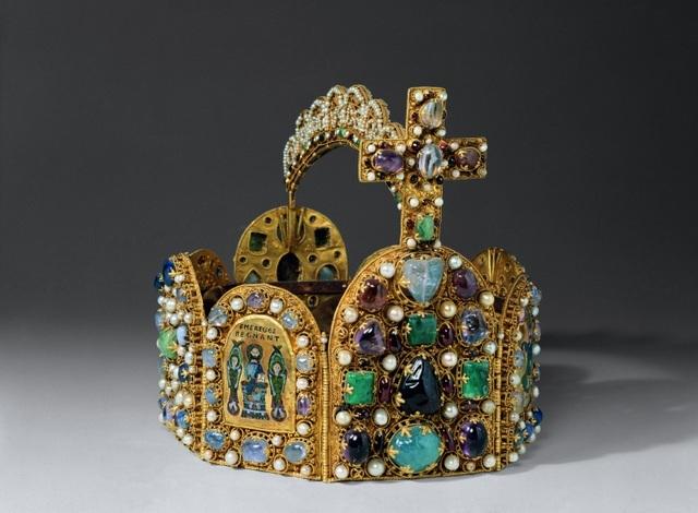 Reichskrone: Replica of Holy Roman Emperor's Crown. 1913 © Städtische Museen Aachen