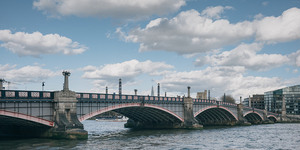 60 Second Video: The Colours Of Westminster And Lambeth Bridges
