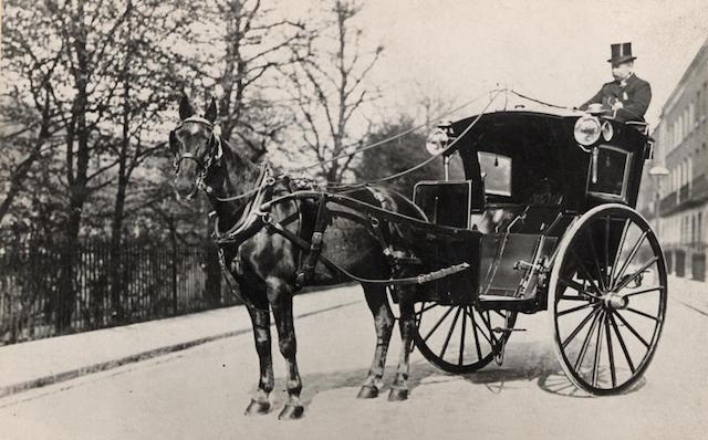 Hansom cab image courtesy London Transport Museum