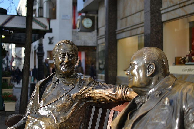 Perhaps the most famous example of statues-on-a-bench recreates a meeting between Churchill and Roosevelt. Several castings of the sculpture exist - the most prominent can be found where Old and New Bond Streets meet. Image by psyxjaw in the Londonist Flickr pool.