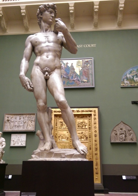 Two Florentine masterpieces as a cast of Michelangelo's David stands before the gates of the baptistery in Florence. Copyright Tabish Khan