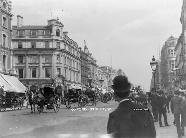 An early Broom photograph taken along Oxford Street, c.1905.