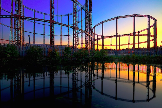 Another shot of the Bethnal Green gasholder, in 2011. Photo: Bob Bob