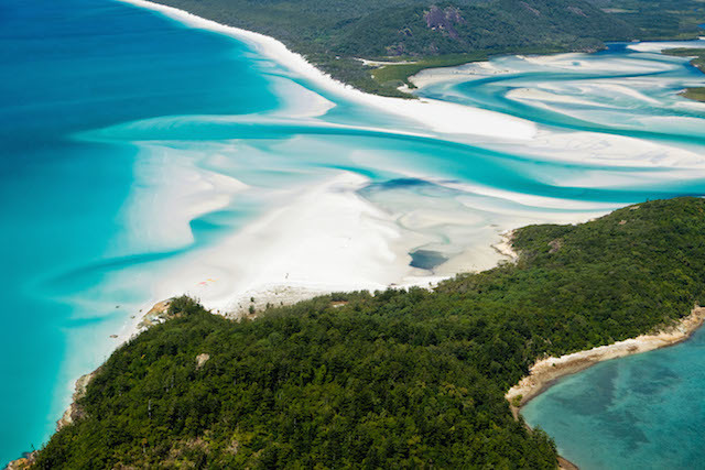 DB6658 Aerial view of shifting sand banks and turquoise waters of Hill Inlet. Whitsunday Island, Whitsundays, Queensland, Australia