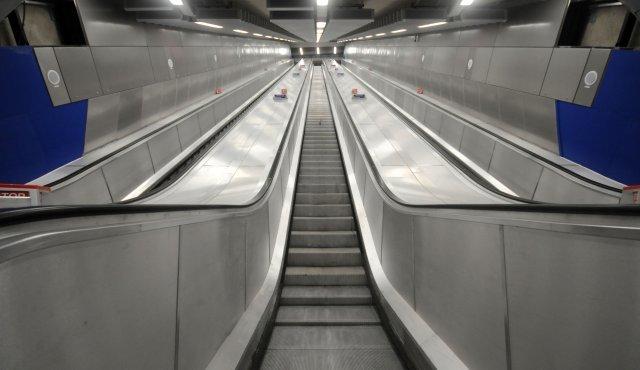 Three new escalators from ticket hall to platform