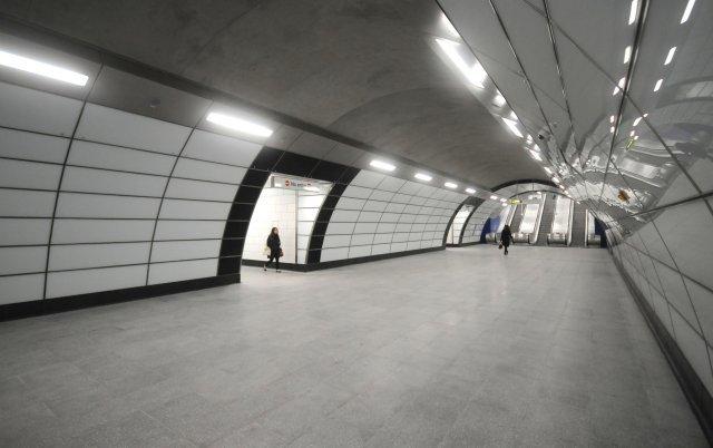Passageways to platforms