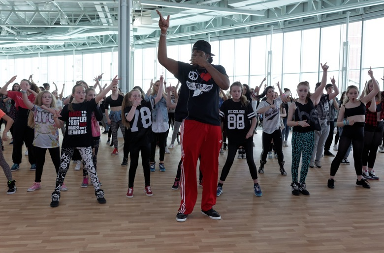 Dancing with Diversity at Move It