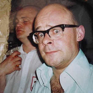 Harry Hill (with Al Murray in the background) at the last night of the Meccano before its 1992 move from The Market Tavern: Photo from Canal Gallery