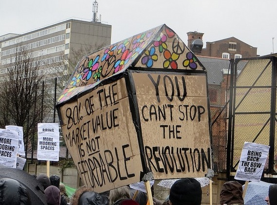 Six Arrests Over Aylesbury Eviction Protest