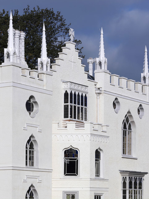 A Gothic Refurbishment In Strawberry Hill