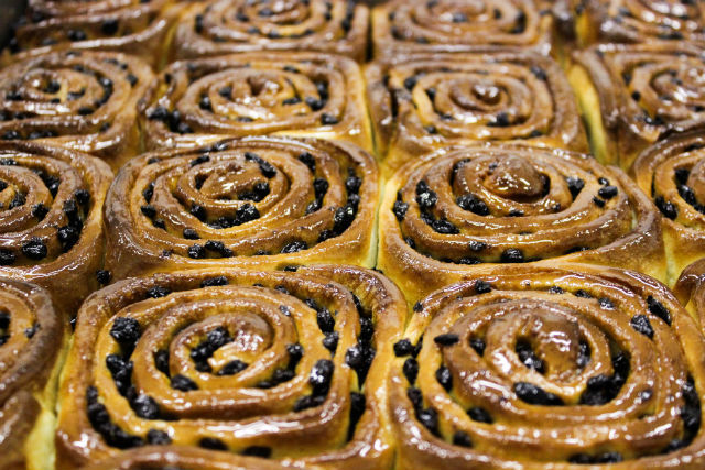 London Food History: Chelsea Buns | Londonist