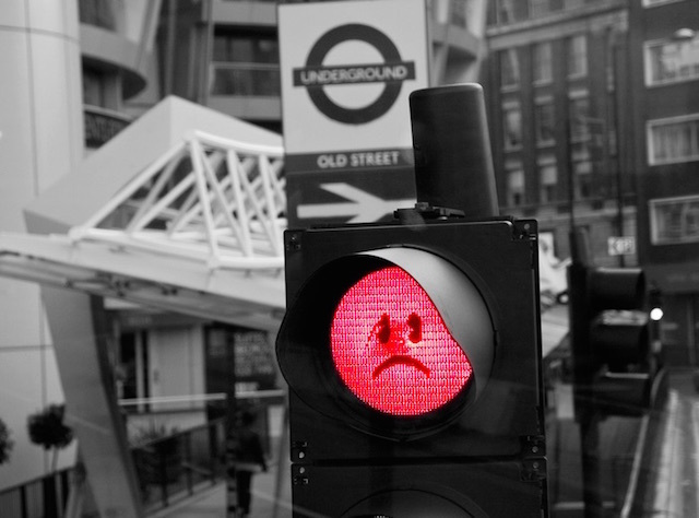 A sad traffic light on the Old Street roundabout. Photo: Ben Geach (2010)