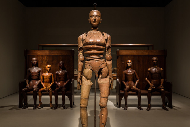 This manikin is the focus of the exhibition as many of the others look toward it. Photo: Mark Blower