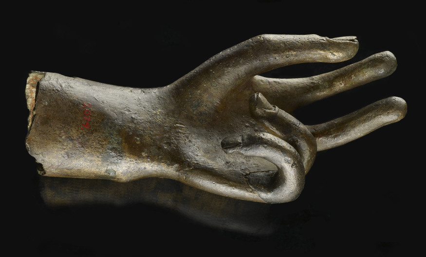 Left hand from a statue © Museum of London