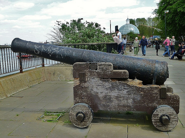Greenwich cannon. Photo by helenoftheways