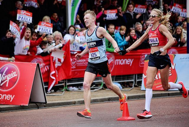 Paula Radcliffe in her final competitive race. Photo by Lou Humphreys from the Londonist Flickr pool