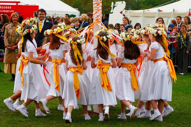 A maypole dance in Richmond Park, performed for the Queen and Duke of Edinburgh during the Diamond Jubilee tour. Photo: Michael Garnett (2012)