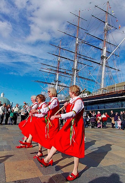Blackheath Morris Dancers  end of season tour, in front of the Cutty Sark. Photo: Steve (2012)